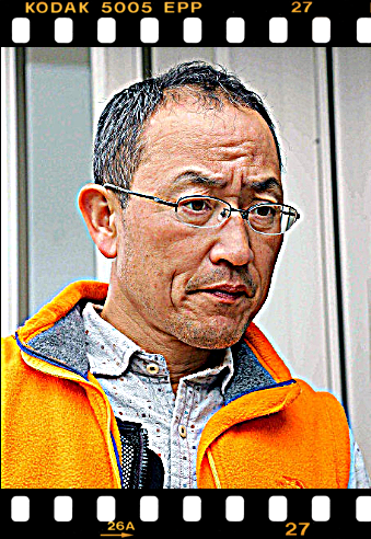 角居勝彦調教師画像2.png
